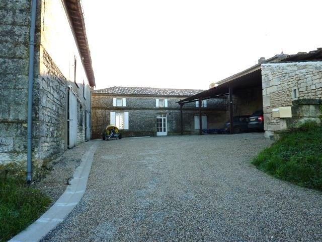 Vente maison / villa Saint-fort-sur-gironde 468000€ - Photo 3