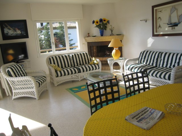 Vacation rental house / villa Cavalaire 2 800€ - Picture 11