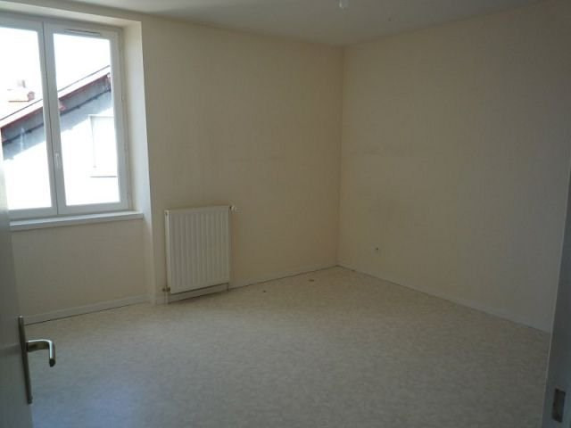 Rental apartment St agreve 430€ CC - Picture 2
