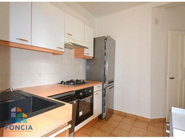Location maison / villa Suresnes 2 500€ CC - Photo 7