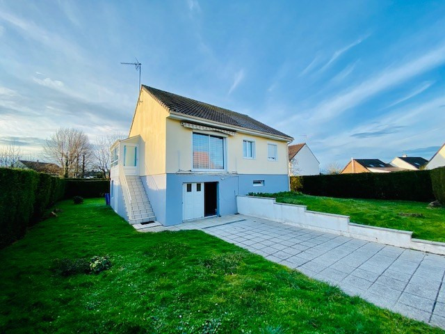 Sale house / villa Feuguerolles bully 150 000€ - Picture 1