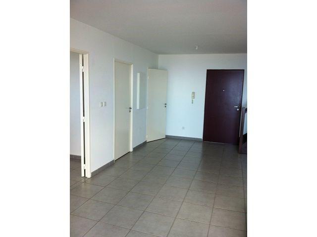 Location appartement Ste clotilde 828€ CC - Photo 3