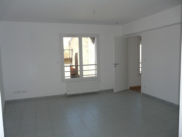 Verhuren  appartement Roche-la-moliere 460€ CC - Foto 3