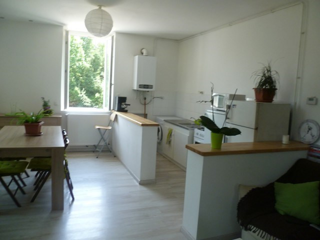 Rental apartment Roche-la-moliere 565€ CC - Picture 2