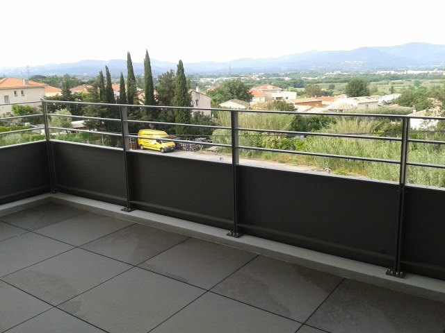 Rental apartment Fréjus 990€ CC - Picture 2