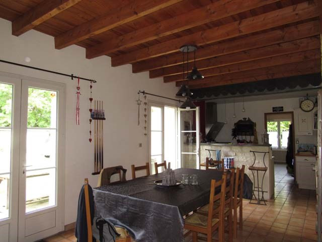 Sale house / villa Vervant 238 500€ - Picture 4