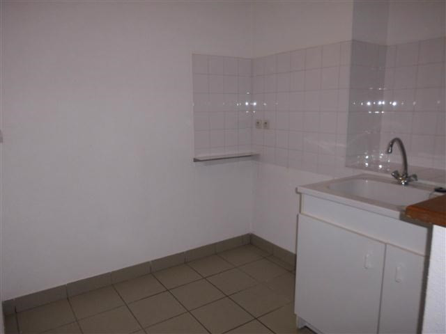 Location appartement St victor sur rhins 318€ CC - Photo 1