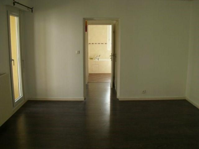 Rental apartment Maurepas 810€ CC - Picture 3