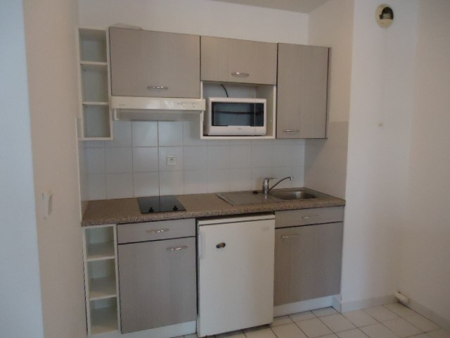 Rental apartment Cognac 343€ CC - Picture 2