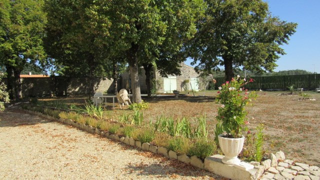 Vente maison / villa Tonnay boutonne 299620€ - Photo 6