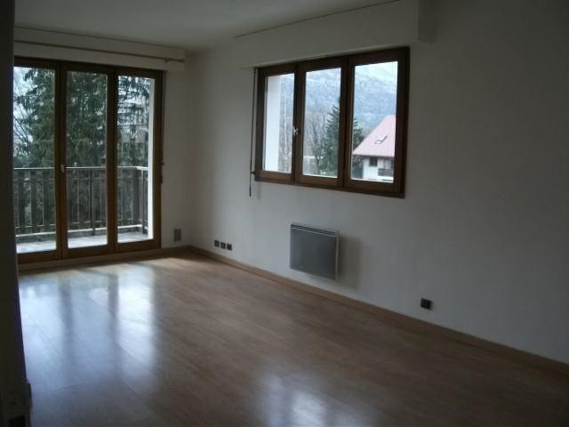 Rental apartment Sallanches 560€ CC - Picture 2