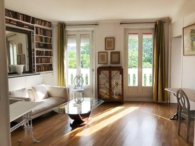 Rental apartment Paris 8ème 2100€ CC - Picture 1