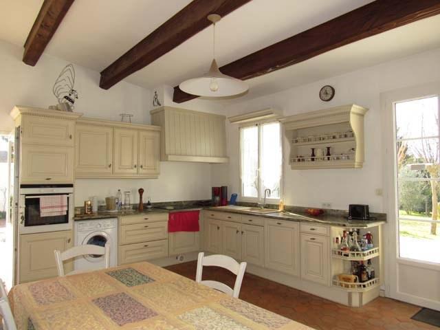 Sale house / villa Saint-jean-d'angély 231000€ - Picture 5
