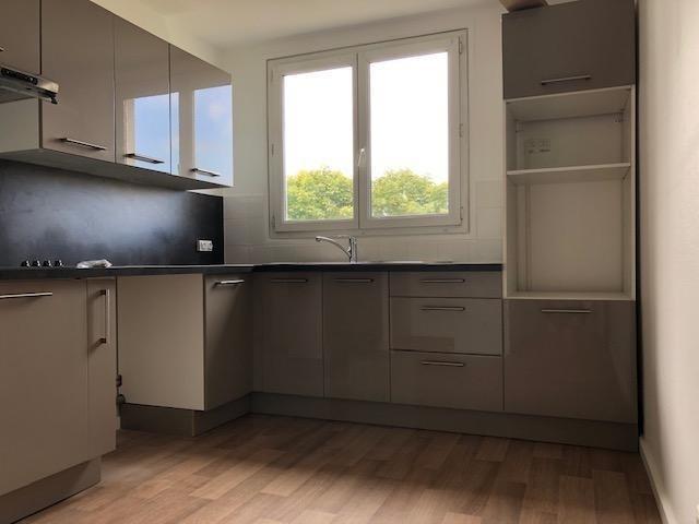 Location appartement Saint germain en laye 1195€ CC - Photo 2
