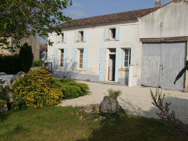 Vente maison / villa Saint jean d'angely 148500€ - Photo 2