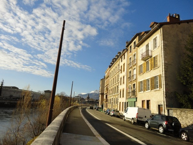 Location appartement Grenoble 395€ CC - Photo 3