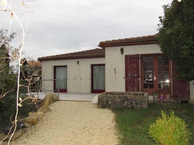 Vente maison / villa Saint-jean-d'angély 132750€ - Photo 1