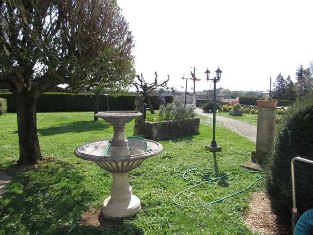Vente maison / villa Saint jean d'angély 305950€ - Photo 3