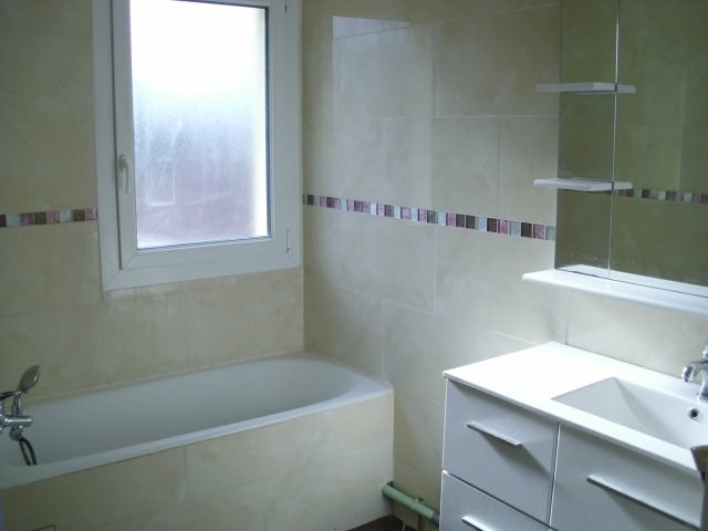 Rental apartment Maurepas 810€ CC - Picture 4