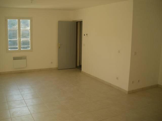 Location appartement Verneuil en halatte 900€ CC - Photo 3