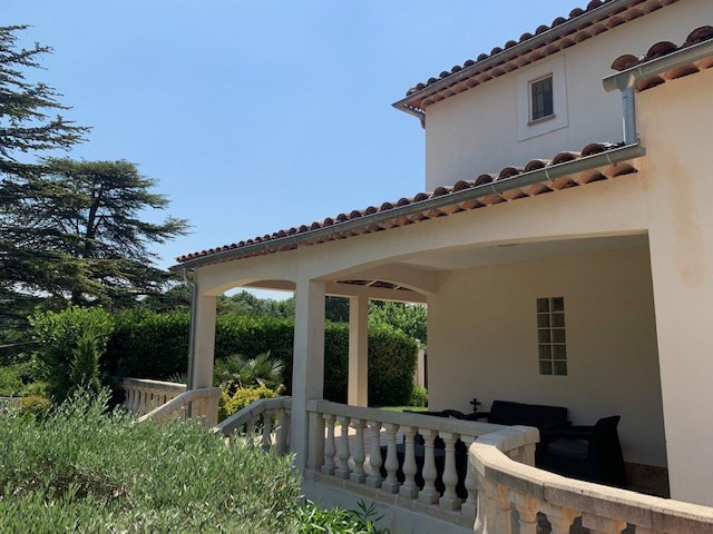 Deluxe sale house / villa Cabries 685000€ - Picture 2