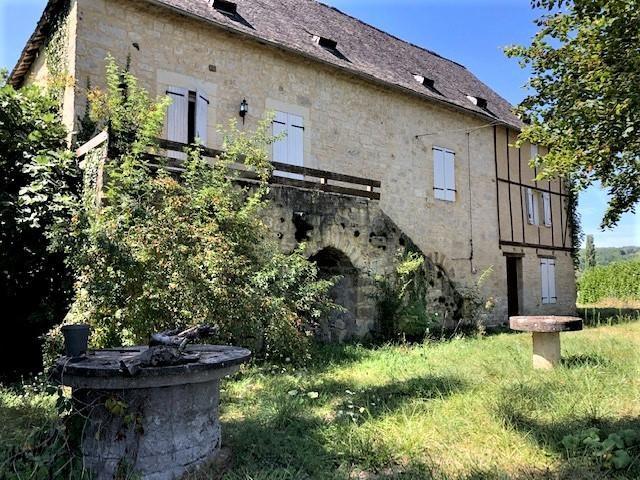 Maison en pierre du xvi a restaurer terrasson