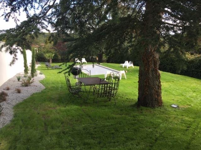 Vente de prestige maison / villa Charbonnieres les bains 899000€ - Photo 4