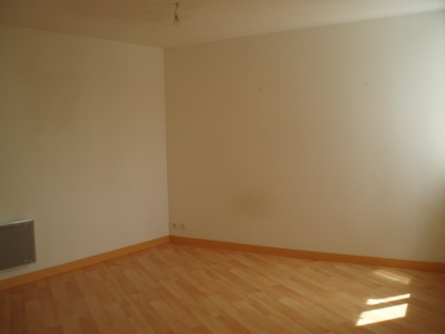 Rental apartment Pontivy 326€ CC - Picture 2