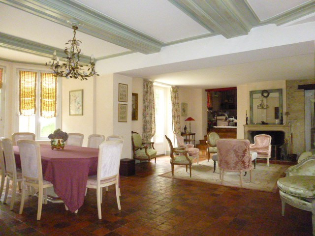 Deluxe sale apartment Ranville 850000€ - Picture 2