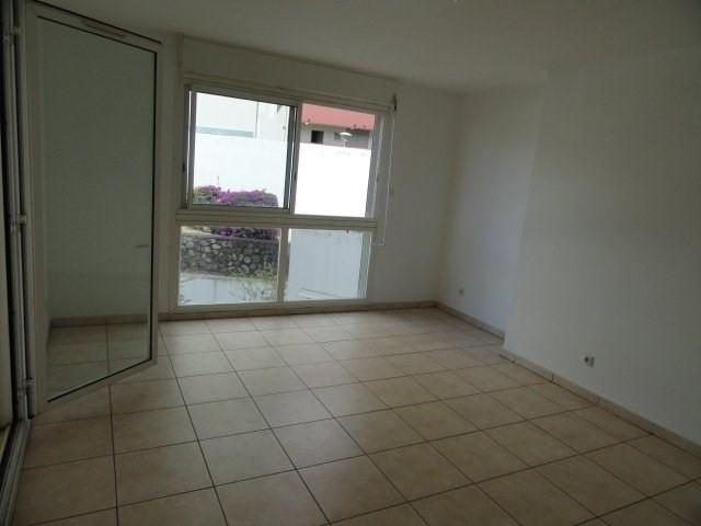 Location appartement St denis 537€ CC - Photo 2