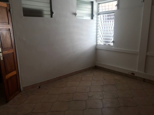Sale building Capesterre belle eau 295 000€ - Picture 4