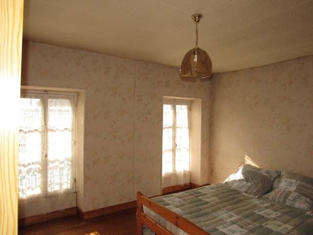 Sale house / villa Saint-jean-d'angély 69750€ - Picture 5