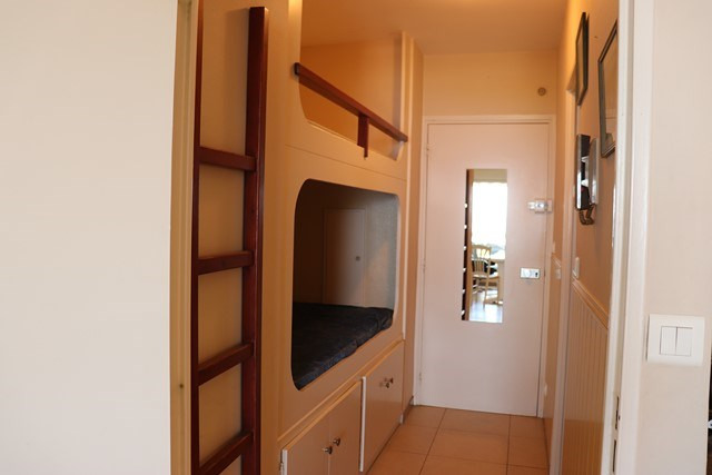 Vacation rental apartment Cavalaire sur mer 500€ - Picture 7