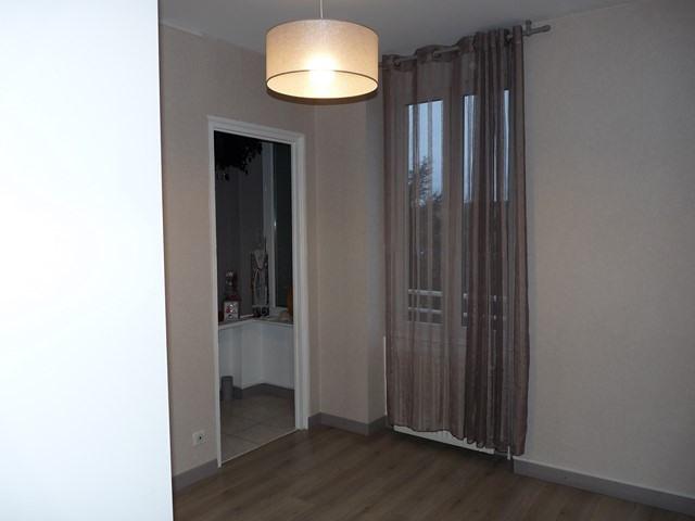 Revenda apartamento Saint-genest-lerpt 124000€ - Fotografia 6