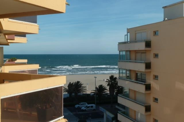 Sale apartment Canet plage 158 000€ - Picture 1
