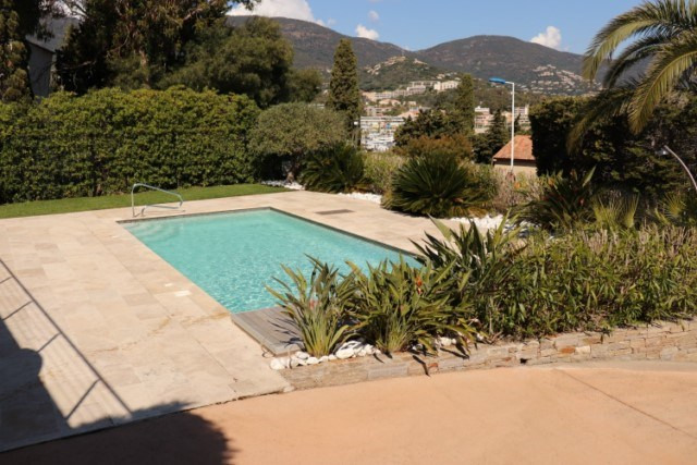 Vacation rental house / villa Cavalaire sur mer 2 200€ - Picture 5
