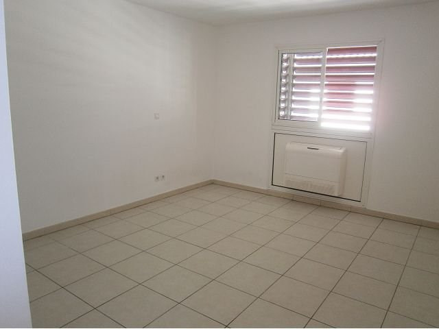 Location appartement St denis 548€ CC - Photo 4