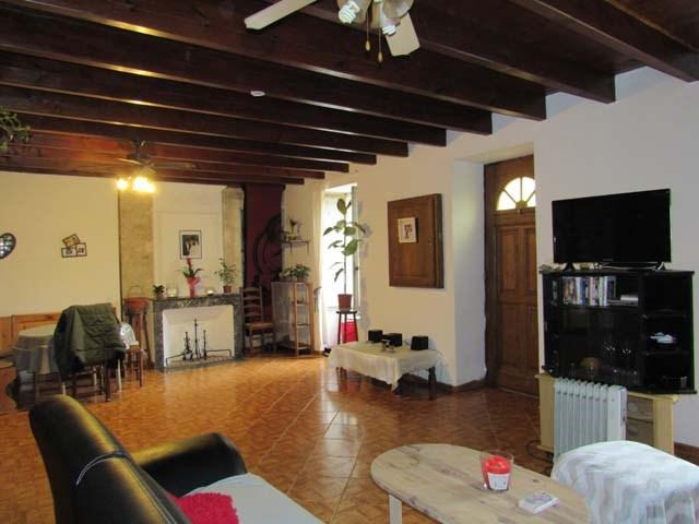 Sale house / villa Poursay-garnaud 75000€ - Picture 3