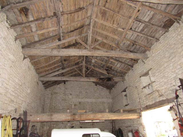 Sale house / villa Saint-jean-d'angély 165360€ - Picture 6