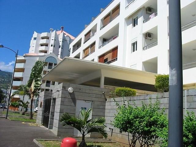 Location appartement Ste clotilde 356€ CC - Photo 1