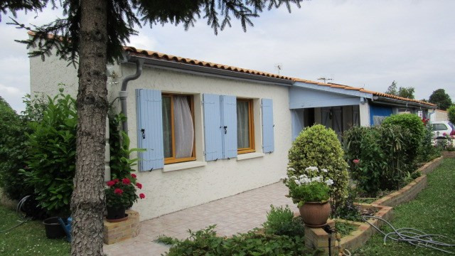 Vente maison / villa Loulay 167 480€ - Photo 1