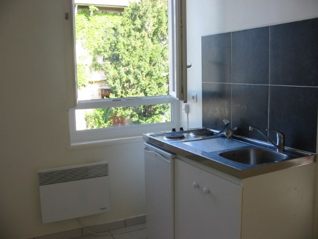 Rental apartment Lyon 3ème 487€ CC - Picture 1