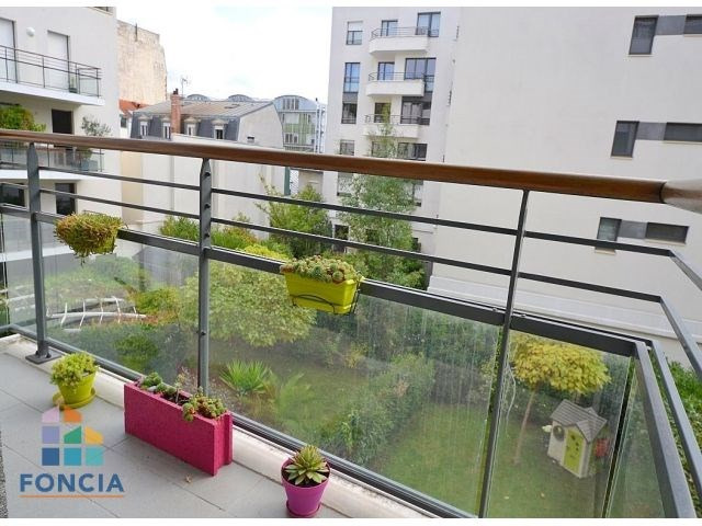 Rental apartment Suresnes 2 047€ CC - Picture 9
