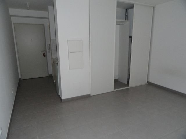 Location appartement St denis 397€ CC - Photo 2