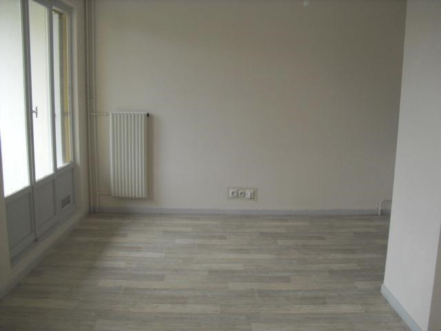 Location appartement Neuville-sur-saône 484,83€ CC - Photo 4