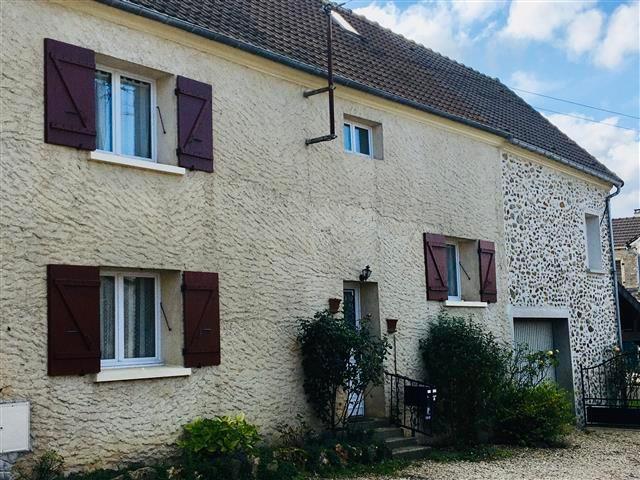 Maison - 5 pièce (s) - 110 m²