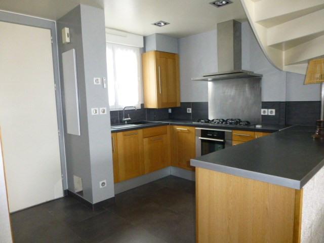 Rental house / villa Buchelay 890€ CC - Picture 2