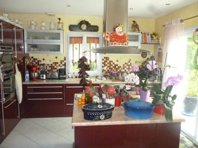 Vente de prestige maison / villa Neuille le lierre 415000€ - Photo 3