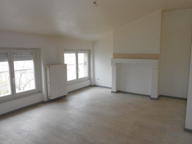 Rental apartment Saint-etienne 410€ CC - Picture 2