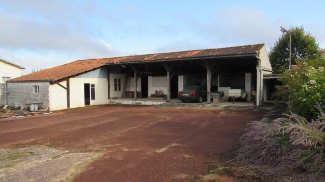 Sale house / villa Saint-jean-d'angély 180200€ - Picture 3